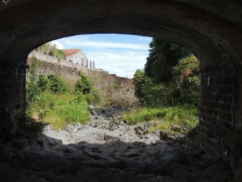 Lit rivière tunnel.JPG